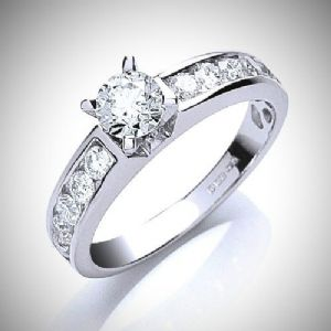 1.00ct Total Diamond Weight - Round Brilliant Cut Solitaire Diamond Ring in 18ct White Gold